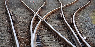 Diverging-tracks