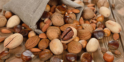 Mixed-bag-of-nuts-400x200